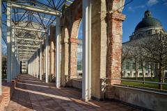 nördliche Hofgartenarkaden bei der Bayerischen Staatskanzlei