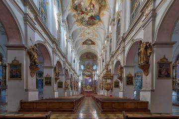 Kath. Kirche  St. Peter - Münchner Altstadt